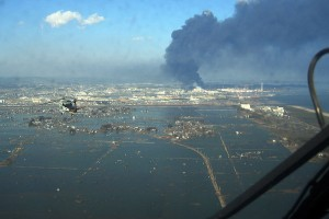 helicopter_flies_over_Sendai
