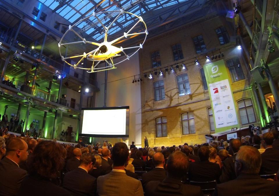 Die Vision vom Individualverkehr in der Luft schwebte über den Greentec Awards