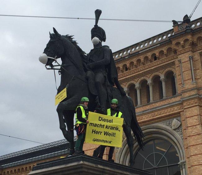 Greenpeace-Protest gegen Feinstaub aus Dieselmotoren, Hannover, Februar 2017