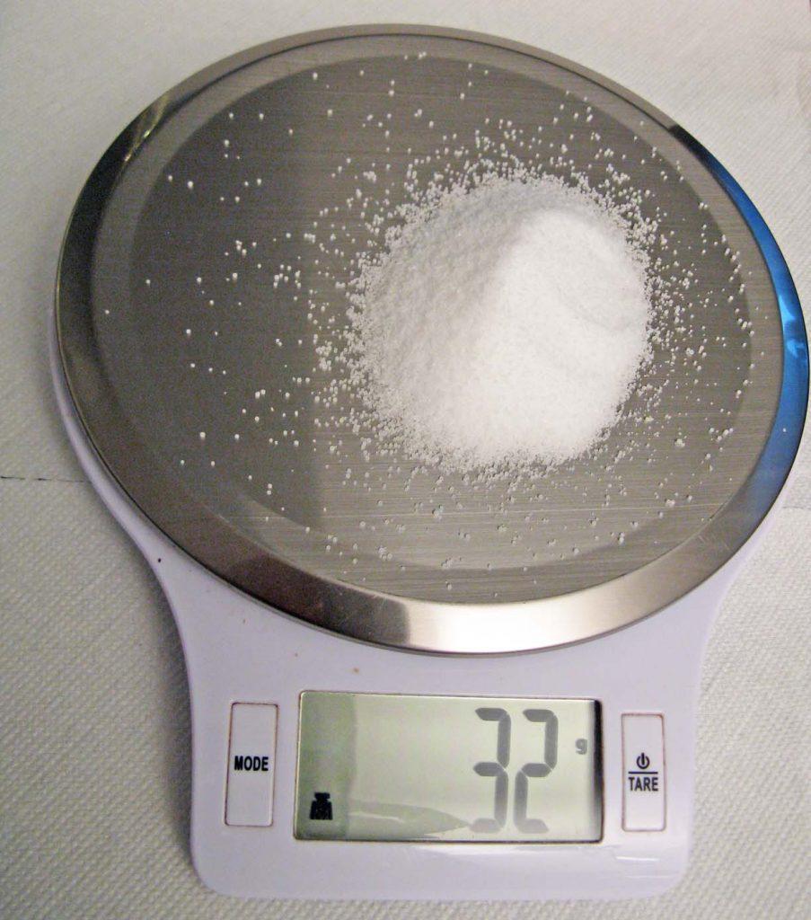 Bild 5. Etwas mehr als ein Esslöffel des eigentlich lebensnotwenigen Minerals Salz genügte, um ein Kind zu töten